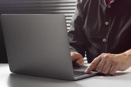 Hakerzy a bezpieczeństwo transakcji. Jak firmy finansowe bronią się przed hakerami?